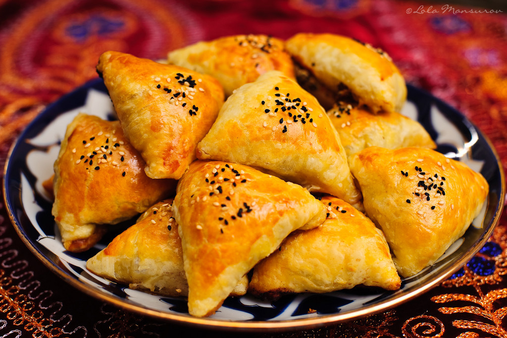 Bánh Samosa