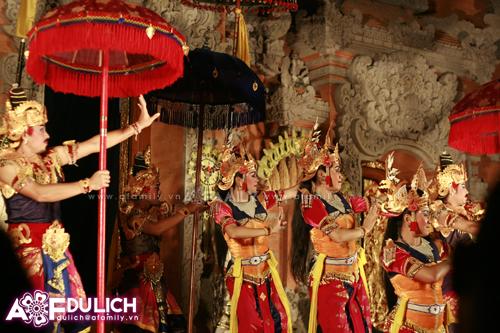 Biểu diễn nghệ thuật ở thị trấn Ubud