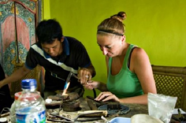 Thú vị tự làm đồ trang sức ở Bali