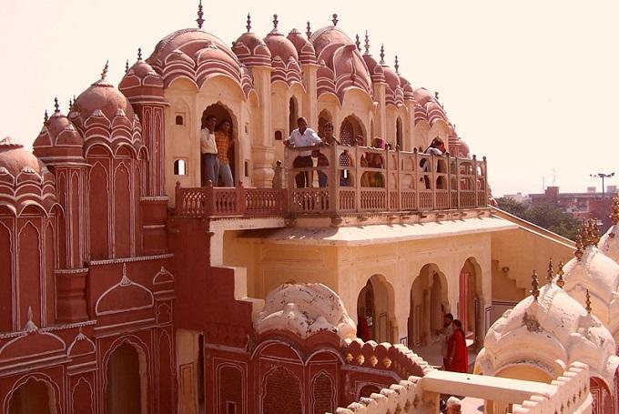 Rear-view-of-Hawa-Mahal