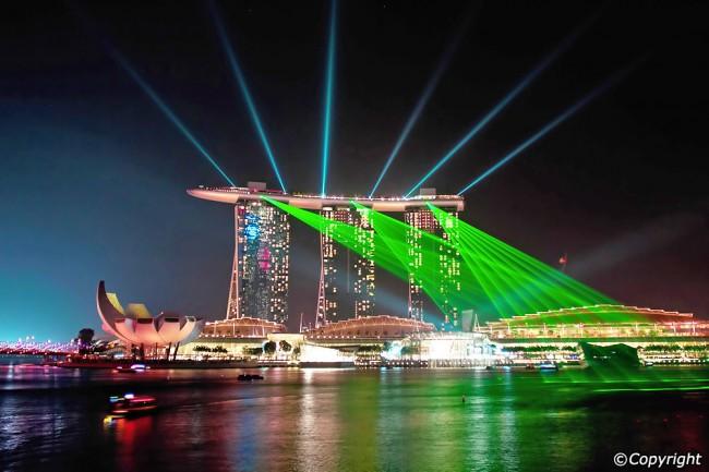 Trình diễn ánh sáng tại Marina Bay Sands