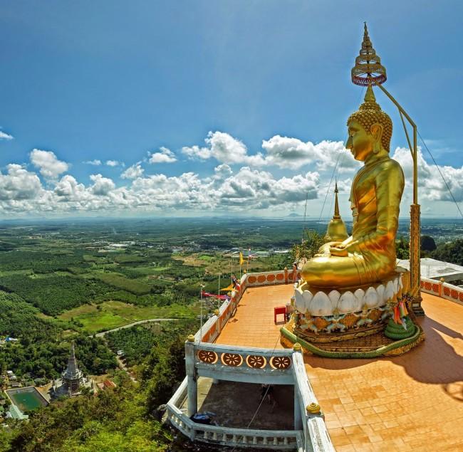 Chùa Wat Tham Sua Krabi với bức tượng Phật cao 278m