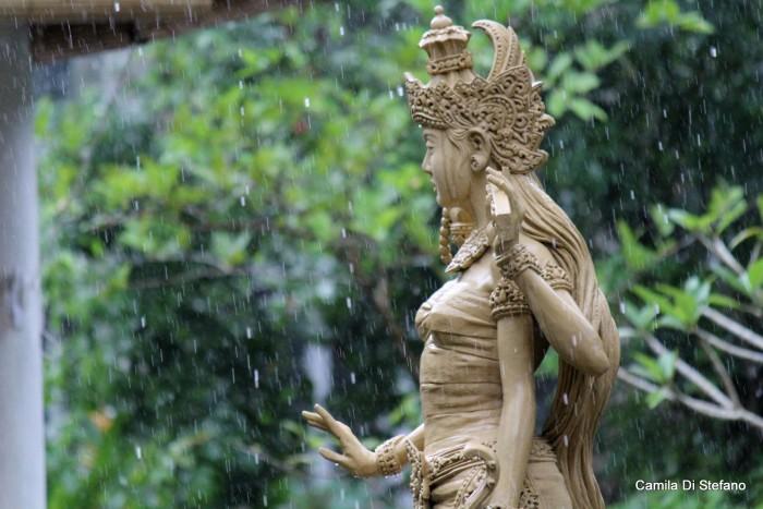 nữ thần Saraswasti
