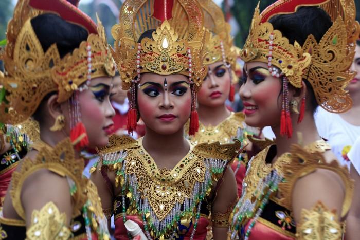 Phụ nữ dân tộc Bali