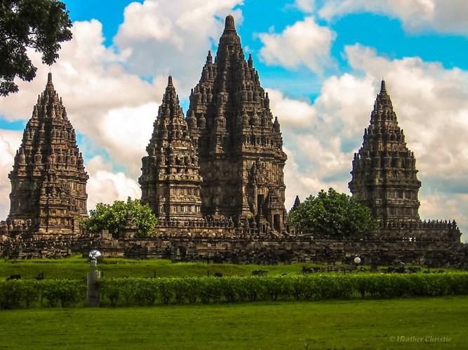 Quần thể đền Prambanan