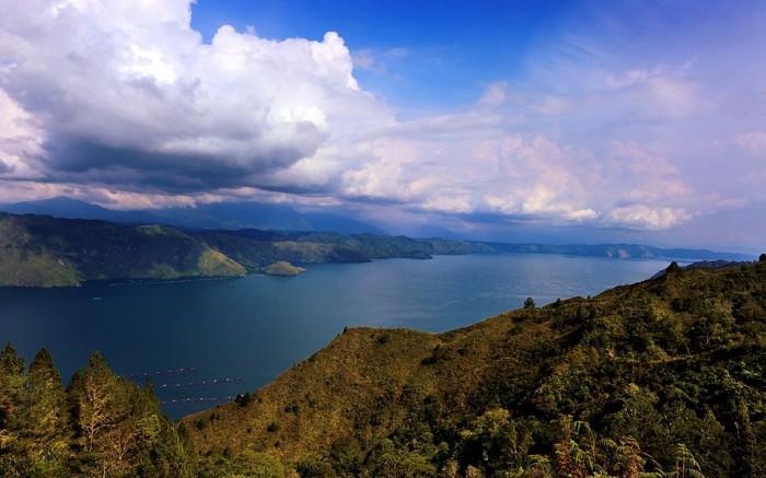 Hồ Toba1