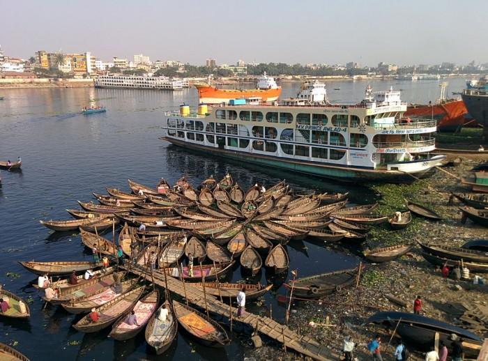 sông Sadarghat