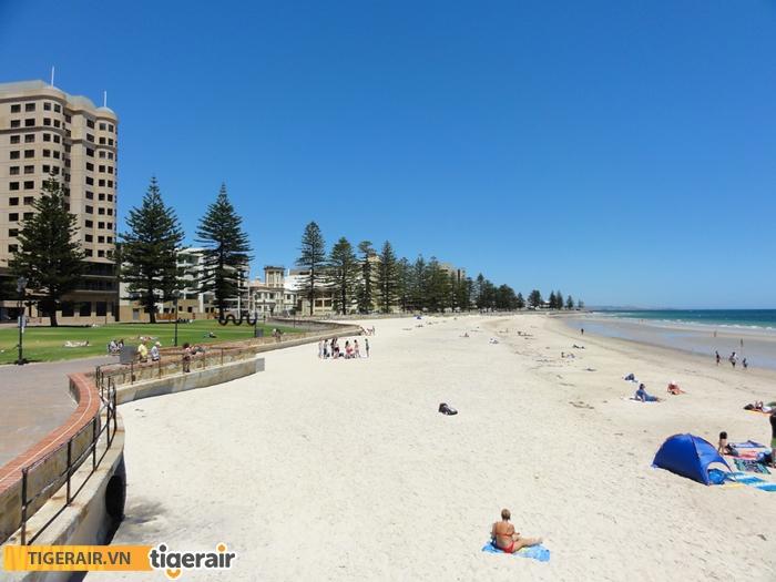 Glenelg beach1