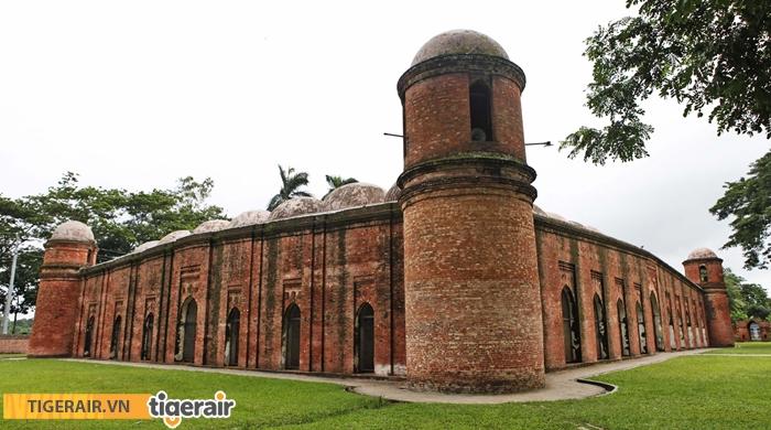 Nhà thờ Hồi giáo 60 mái vòm