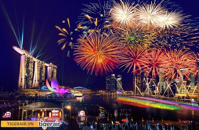 Bắn pháo hoa mừng năm mới ở Singapore