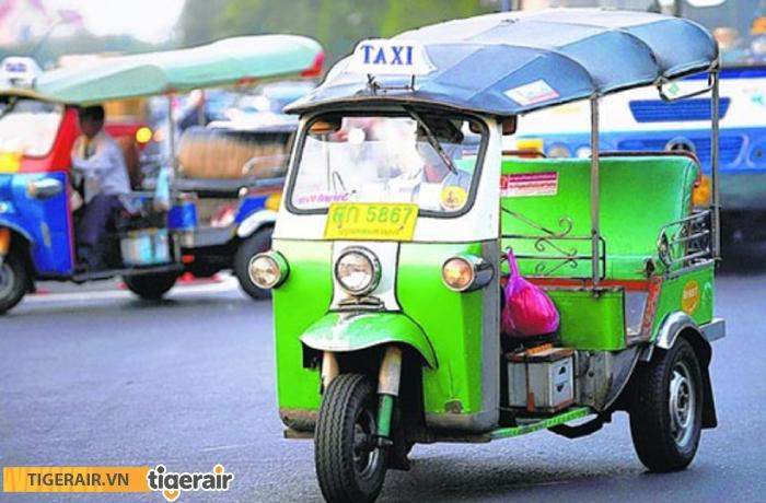 Di chuyển ở Phuket