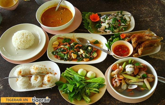 Suất ăn ở Phuket